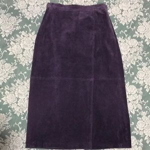 SALE!! Terry Lewis suede skirt